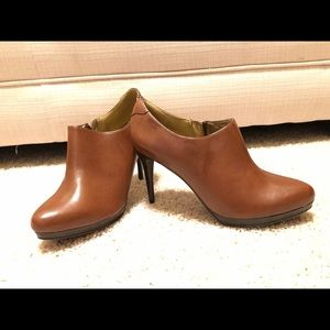 Tan Leather Worthington Heeled Bootie - Sz 8.5